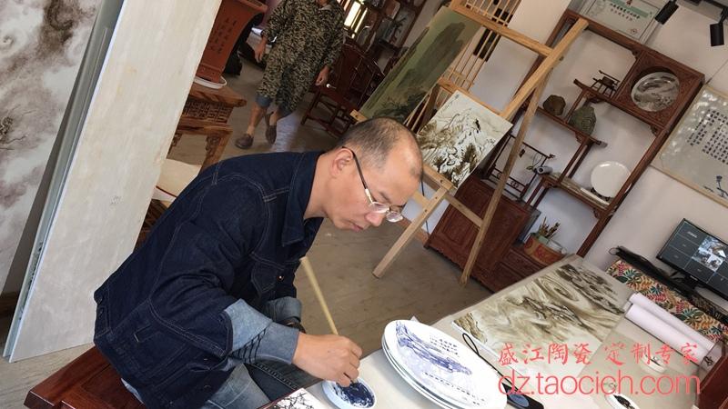 上海高白杯和12寸高骨质瓷盘定制成功案例 景德镇盛江陶瓷