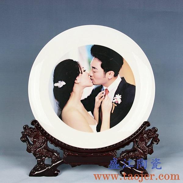 上图:盛江陶瓷 定制激光打印瓷像瓷板影像技术小型瓷板——婚礼纪念瓷板画 购买定制请点击图片