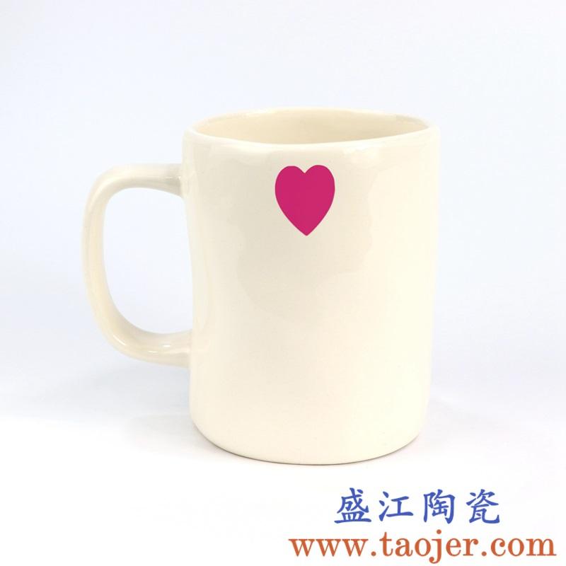 上图:盛江陶瓷定制雕刻哑光手工红爱心马克杯 购买定制请点击图片