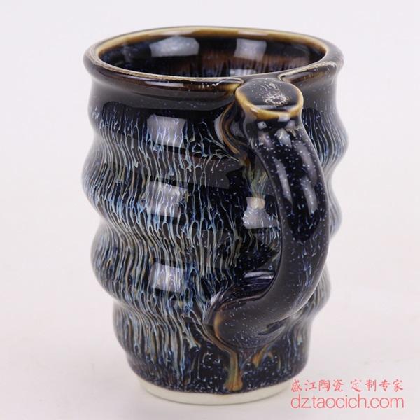上图:盛江陶瓷定制景德镇陶瓷大学演讲用的颜色釉兰花釉螺旋马克杯子侧面图 购买请点击图片