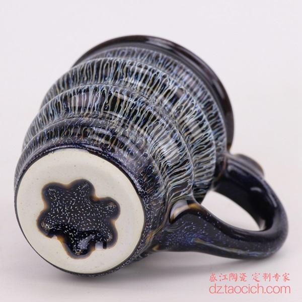 上图:盛江陶瓷定制景德镇陶瓷大学演讲用的颜色釉兰花釉螺旋马克杯子底部图 购买请点击图片
