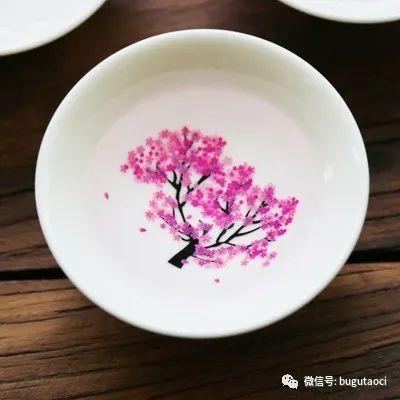 倒入冷饮樱花就会盛开,买一个杯子与爱你的人赏一辈子的樱花